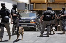 مداهمة شركات في لبنان يشتبه بتمويلها داعش