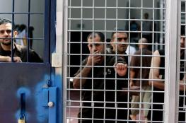 في يوم الأسير : 1800 معتقل مريض بسجون الاحتلال