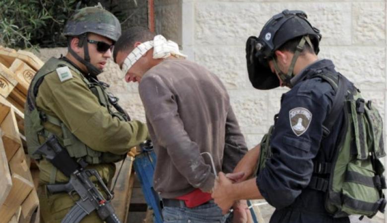 الاحتلال يعتقل مواطنا من نابلس
