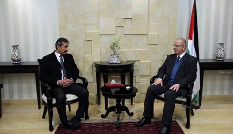 الحمد الله : الحكومة تحاول بكل طاقتها لادخال مواد بناء الى غزة