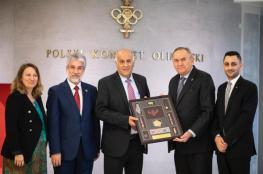 الرجوب يبحث مع رئيس الأولمبية البولندية سبل تعزيز التعاون