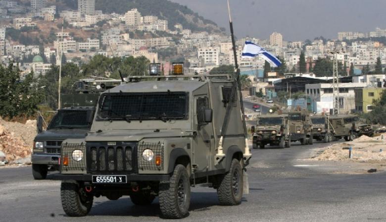 الاحتلال ينصب العديد من الحواجز وينكل بالمواطنين قرب الخليل