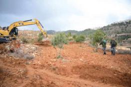 سلفيت: الاحتلال يجرف أراضي محمية واد قانا ويستولي على آليات زراعية