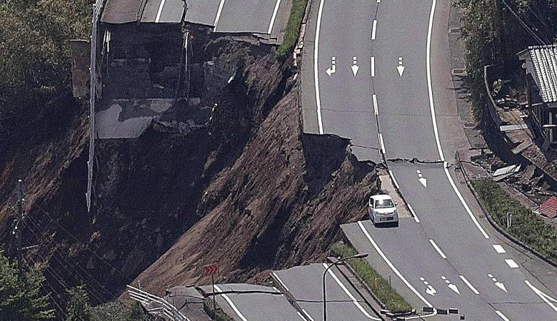 الزلازل تضرب الأرض من شرقها الى أقصى غربها