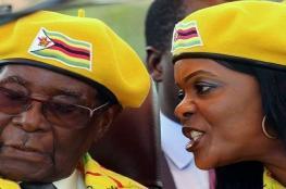 صحيفة بريطانية تكشف عن أرقام مالية خيالية في صفقة رحيل رئيس زيمبابوي