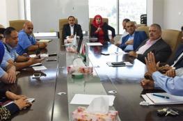 بلدية البيرة والشرطة ..اتفاق على ازالة كافة التجاوزات في سوق الخضار وشارع فلسطين