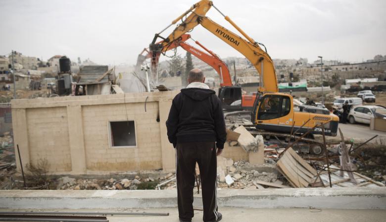 وزير جيش الاحتلال يصدر قرارا بمنع بناء الفلسطينيين في مناطق C