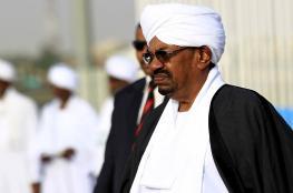 """دولة خليجية تعرض استضافة البشير و""""الانتقالي السوداني"""" يبت في القضية"""