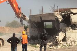 جرافات الاحتلال تهدم منزلاً في كفرقاسم