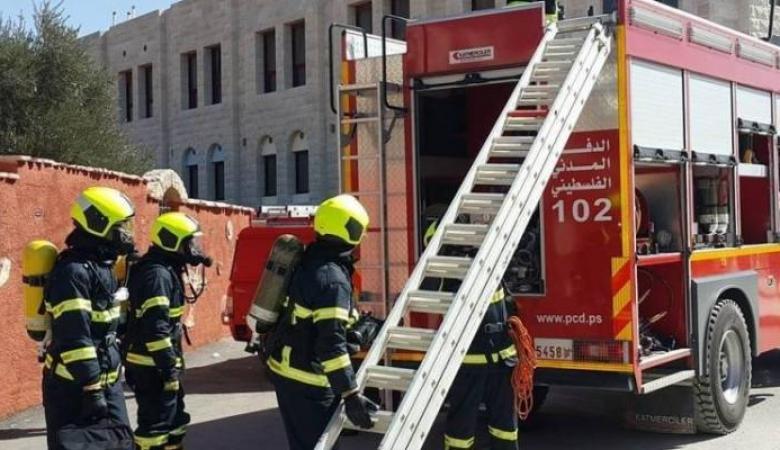 الدفاع المدني يسيطر على عدة حرائق في الخليل