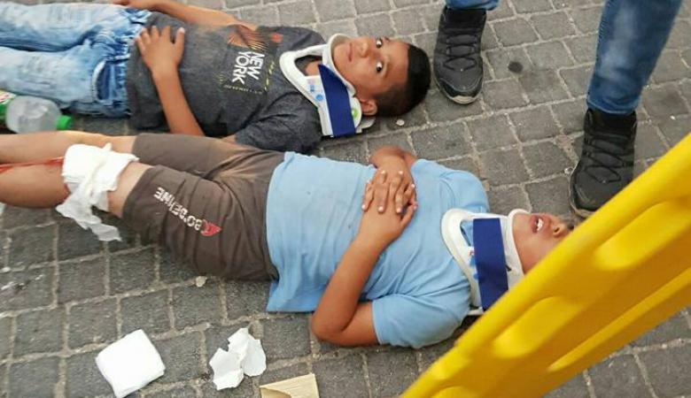 بالصور: إصابة 4 أطفال بجروح بعد أن دهسهم مستوطن في سلوان بالقدس