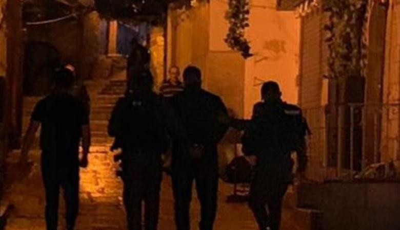الاحتلال يعتقل 4 مواطنين من القدس بينهم حارس في الأقصى