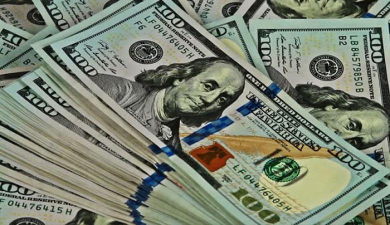الدولار يهبط لمستوى غير مسبوق مقابل الشيقل منذ نحو 4 أعوام