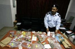 الشرطة تضبط موادا يشتبه بأنها مخدرة في جنين