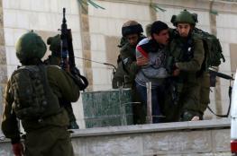 الاحتلال يعتقل 14 مواطنا من الضفة الغربية فجر اليوم