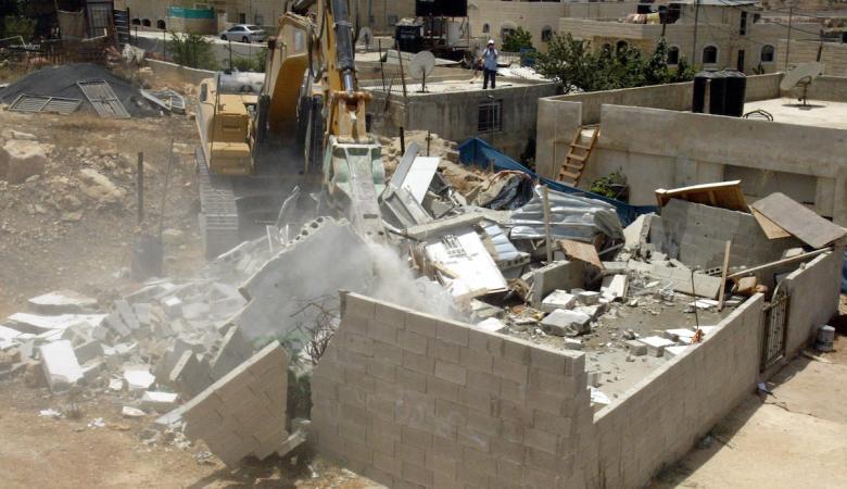 جرافات الاحتلال تهدم غرفة زراعية غرب سلفيت