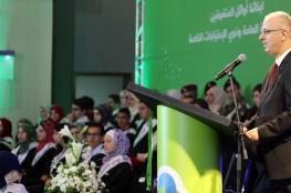 رئيس الوزراء يعلن عن اتفاق قريب مع اتحاد المعلمين يكفل حقوقهم الكاملة