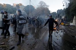 عشرات الجرحى من الشرطة واعتقال 200 شخص في احتجاجات الجزائر