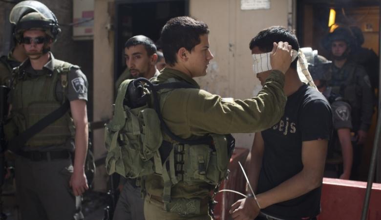 """الاحتلال اعتقل أكثر من """"420 """" فلسطينيا خلال الشهر الماضي"""