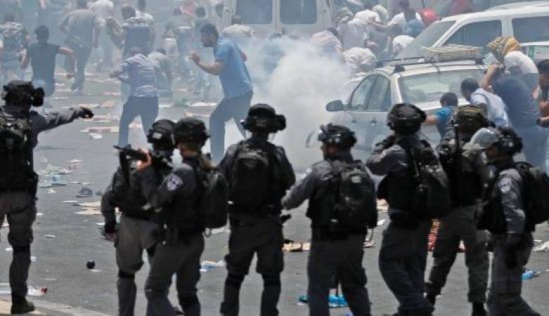"""مواجهات في الخليل وقلقيلية عشية """"مؤتمر البحرين"""""""