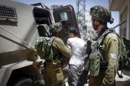 الاحتلال يعتقل 17 مواطنا من الضفة الغربية فجر اليوم