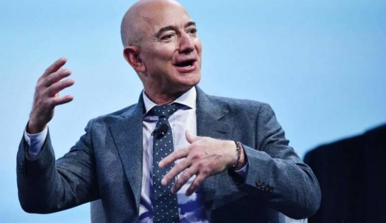 جيف بيزوس أول شخص في التاريخ تتجاوز ثروته 200 مليار دولار