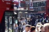 شركة بريطانية تستخدم بقايا القهوة كوقود للحافلات في لندن