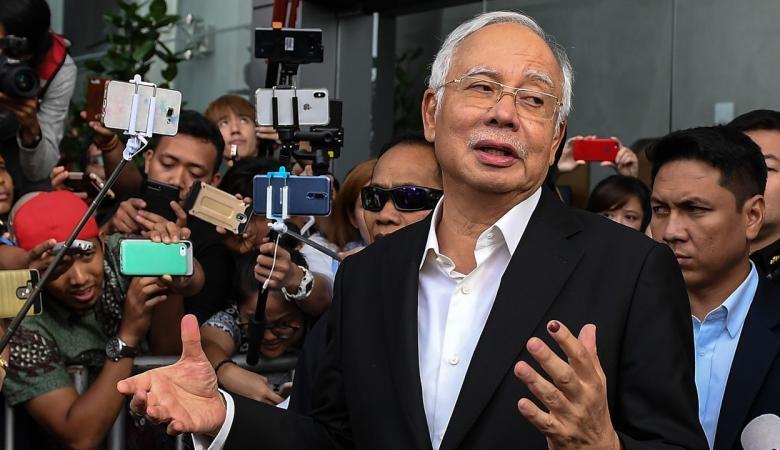 ماليزيا تعيد اعتقال رئيس وزرائها الفاسد