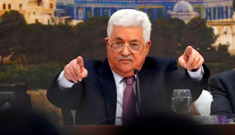 قيادي في فتح يرد على حماس : الرئيس لا ينتظر منكم الاشادة