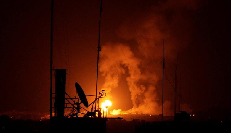 النيران تلتهم قاعدة عسكرية قرب الخليل وخسائر بالملايين