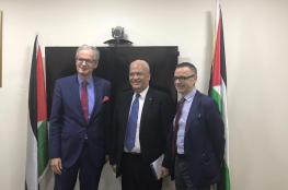 عريقات يلتقي بمسؤولين اوروبييين لاخضاع اسرائيل للمحاسبة على جرائمها في الخان الاحمر