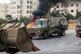 رام الله: الاحتلال يعتقل 4 شبان ويدمر نصبا تذكاريا ويغلق ورشة حدادة