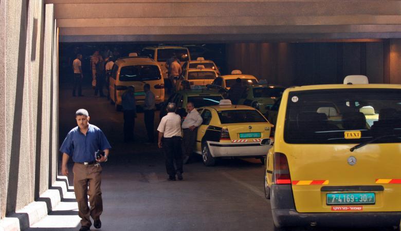 """وزير النقل يكشف عن عدادات """"ذكية """" في التكسي قريباً"""