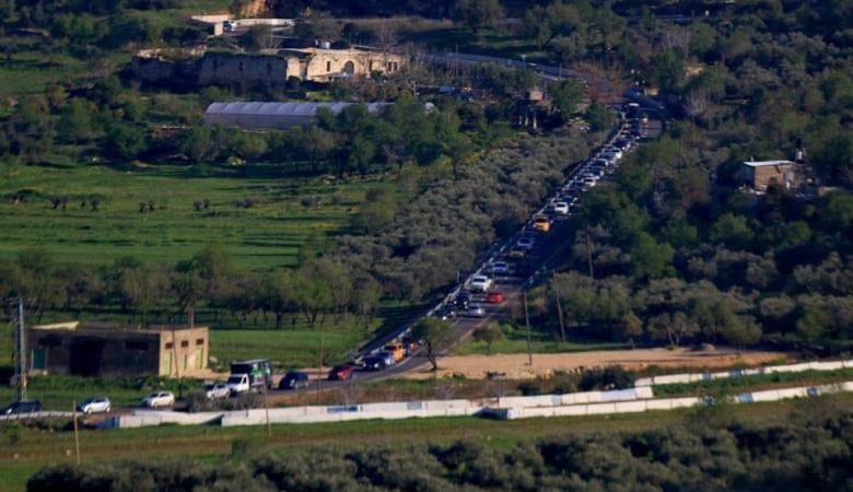 المستوطنون يهاجمون مركبات المواطنين بين رام الله ونابلس