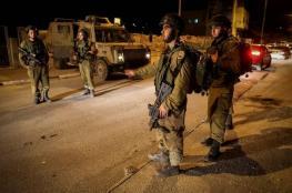 الاحتلال يعتقل 8 مواطنين بينهم فتاة وشقيقان من الضفة