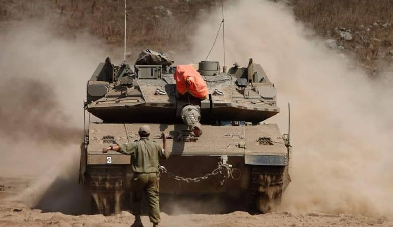 مسؤول عسكري إسرائيلي : سننقل قواتنا باتجاه غزة