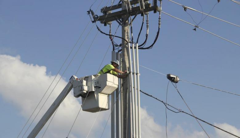 صندوق الاستثمار يسعى لتقديم خدمات الانترنت فائقة السرعة عبر شبكة الكهرباء