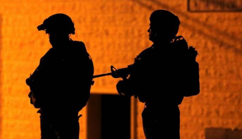 اصابة شاب واعتقال آخرين برصاص الاحتلال في مخيم الدهيشة ببيت لحم