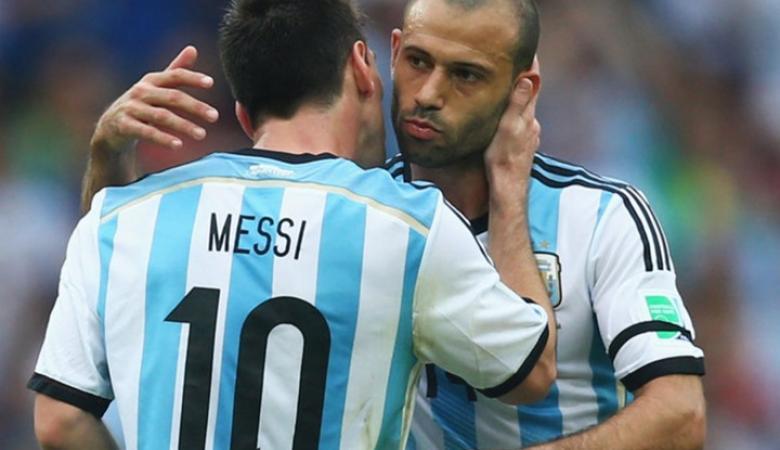 لاعب برشلونة يكشف رسميا عن موعد اعتزاله اللعب دوليا