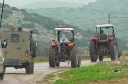 الاحتلال يصادر جرارين زراعيين في طوباس