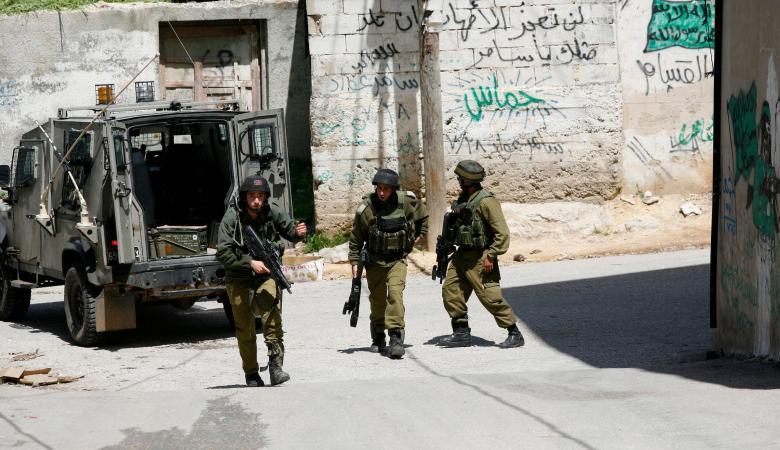 قوات الاحتلال تقتحم قرية الولجة شمال غرب بيت لحم