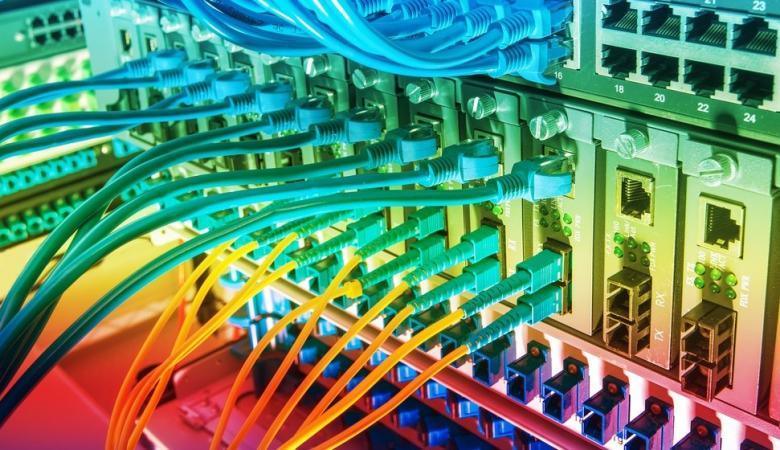 الحكومة تكشف عن شركة جديدة لتوفير الانترنت عبر الخلايا الضوئية