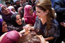 """الملكة رانيا العبد الله تزور مخيما للاجئين بجزيرة لسبوس""""صور """""""
