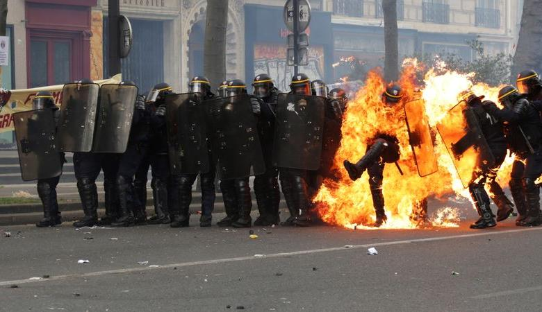 فرنسا تقرر نشر 65 الف شرطي تحسباً لمظاهرات حاشدة يوم السبت المقبل