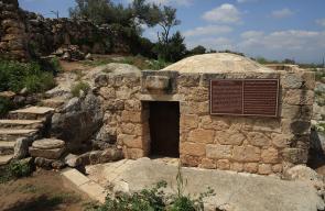 كنيسة القديسة بربارة التي تقع في قرية عابود غرب مدينة رام الله والتي تعود إلى القرن السادس الميلادي