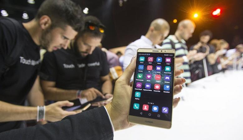 """""""هواوي"""" وشركات صينية تقترح إعادة اختراع الإنترنت"""