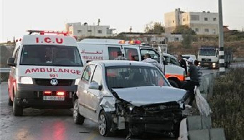 مصرع مواطن واصابتين بحادث سير مروع في بلدة بيتونيا غرب رام الله