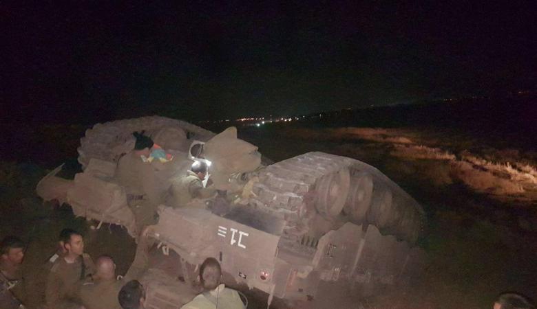 اصابة 3 جنود اسرائيليين بانقلاب دبابة في الجولان السوري