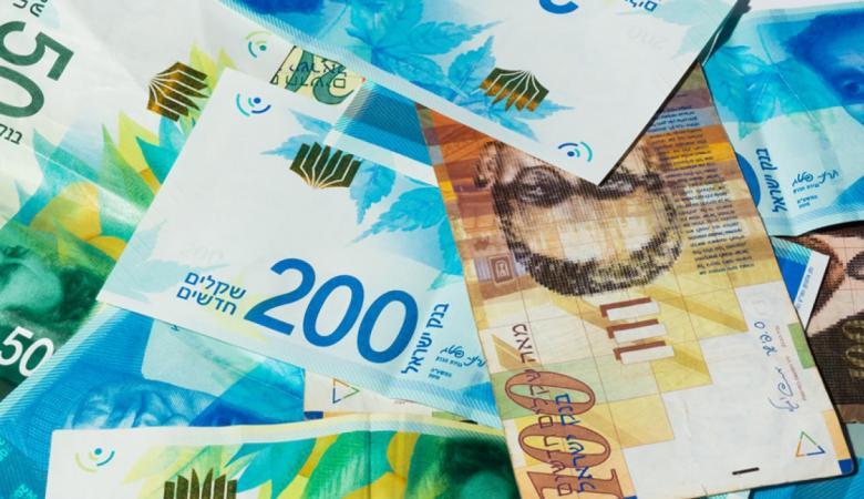 أسعار العملات: الدولار يواصل الهبوط والدينار يقل عن 5 شواقل