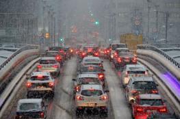 الثلوج تشل الحياة في عدة مدن اوروبية